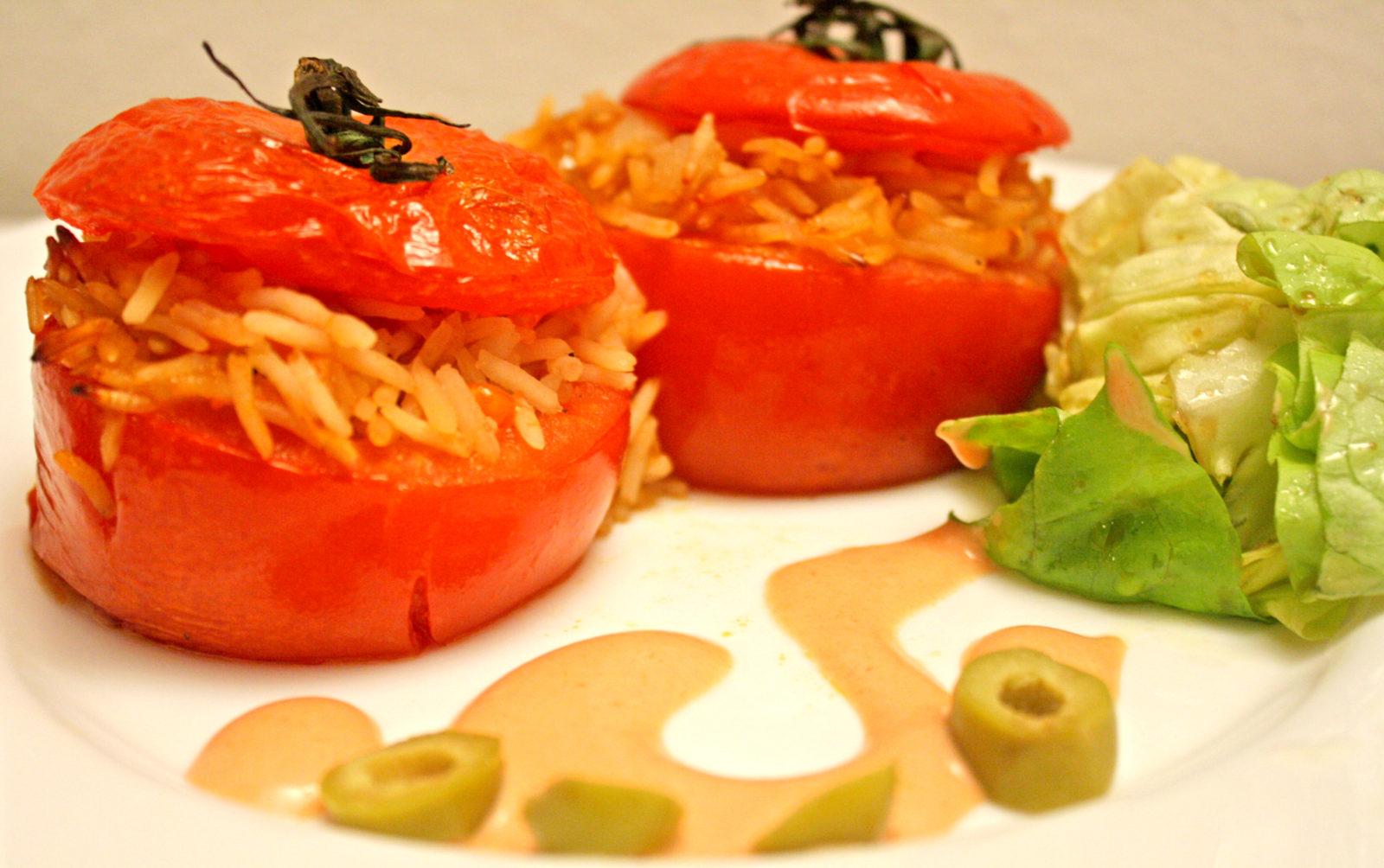 Tomates rellenos de arroz basmati